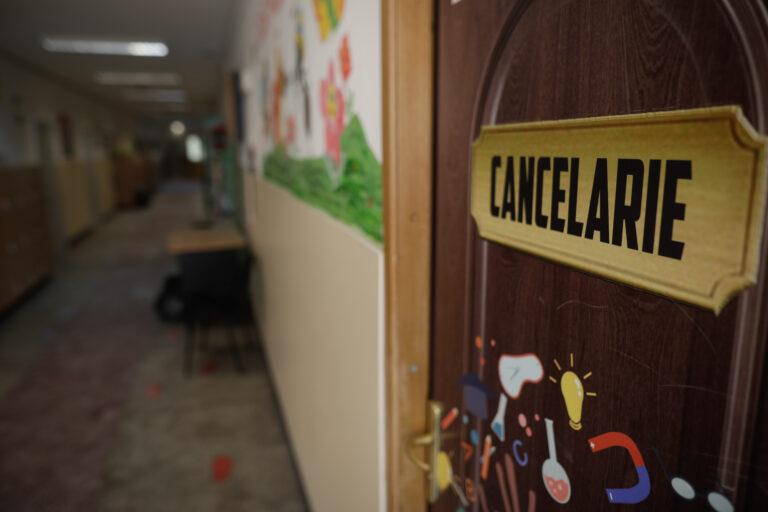 Oficial: Elevii din școlile și grădinițele private revin la școală din cauza unei gafe
