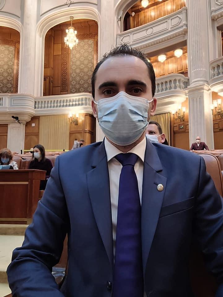 Cosmin Șandru, deputat liberal