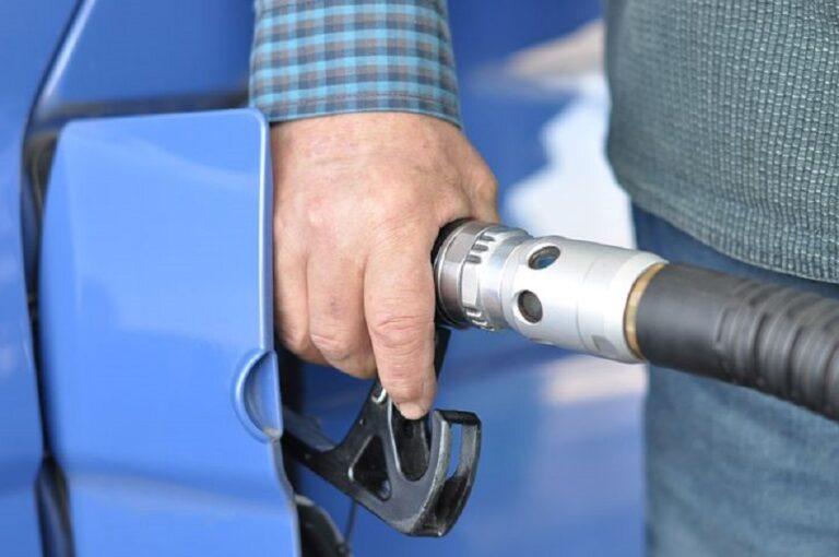 Prețul petrolului a atins un nou record, din 2018